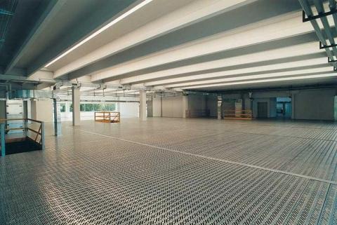 Scale, cancelli e pavimenti per soppalchi industriali
